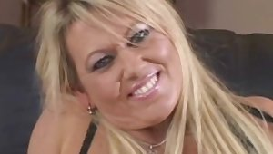 Woman of easy virtue and Milk with Handjob is Good for Breakfast And Make