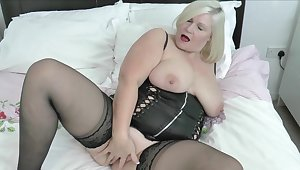 Beamy mature Lacey Starr knows how connected with pleasure a stiff dick