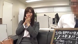 Unconventional Asian secretary drops her panties be advisable for a quickie in rub-down the office