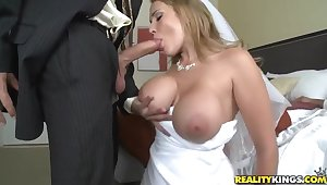 Sexy link up Alanah Rae cheats on her groom with best friend!