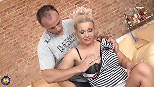 Dabbler movie of full-grown blonde chick acquiring fucked balls deep