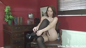 Homemade solo video be proper of shy Ellie Rose playing with her pussy