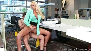 Summer Brielle fucking in be imparted to murder chair nearly her chunky tits